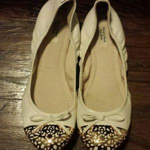 Vera Wang Shoes - Simply Vera Vera Wang Ballet flats