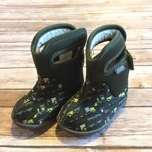 Bogs Other - Baby Bogs, Size 4