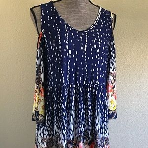Sinply Aster  Dresses & Skirts - NWT Simply Aster Floral Cutout Shoulder Tunic Top