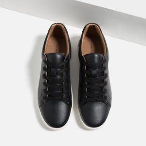 Zara black plimsolls with laces - size 6.5