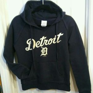 5th & Ocean Tops - Detroit . Hoodie . Sweatshirt . Jr Small