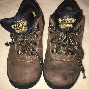 Hi-Tec  Other - Hi-Tec Waterproof Low Cut Hiking Boots Sz 4.5