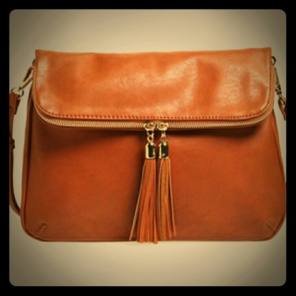 82b1769f9250c NWOT BP Foldover Crossbody Bag. M 58cbe5805a49d0459702af81