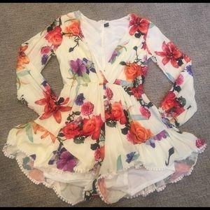 CHOISE Dresses & Skirts - Super cute floral romper