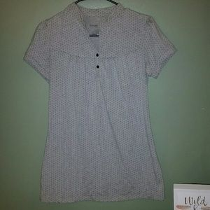 Liz Lange for Target Tops - Liz Lange maternity shirt