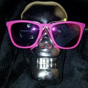 Foster Grant Accessories - NWT Purple Sunglasses !!!