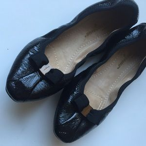 Salvatore Ferragamo Shoes - Salvatore Ferragamo Black My Joy Flats