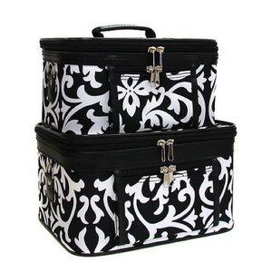 Nadia Rima Handbags - 🖤 NEW 🖤 Floral swirl cosmetic case