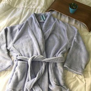 Simplicity Other - Plush bathrobe - lavender