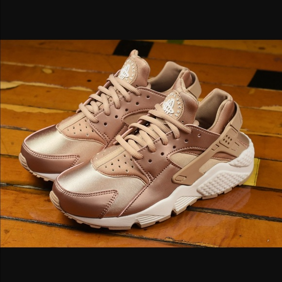 save off ebac8 c69df Nike Air Huarache LOOKING FOR THEM!