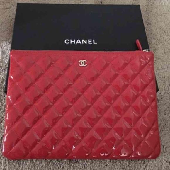 6667c04d937e CHANEL Handbags - *Authentic* Chanel Patent Envelope Clutch