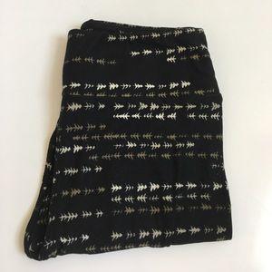 LuLaRoe Pants - NEW { LuLaRoe } arrow/tree leggings