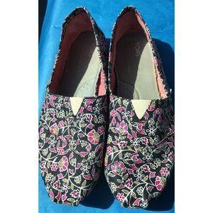 TOMS Shoes - Floral Print Toms
