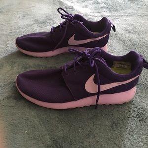 Women's Nike roshe runs