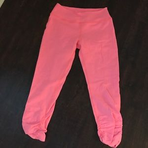 Beyond Yoga Pants - BY🖤gathered crop🖤 fluorescent pink