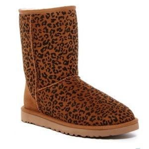 Brand new authentic classic short UGG boots