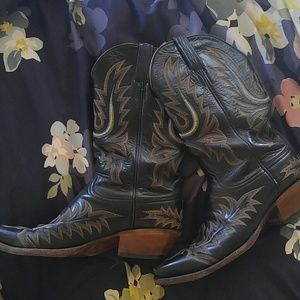 ce44c29bfd0 Lucchese classics handmade black embroidered boots