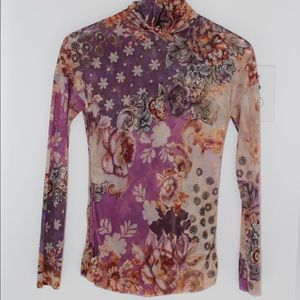 Etro Tops - ETRO fitted bunch neck top.