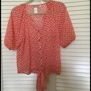 Soulmates Tops - Like new!!!!! Perfect for spring lightweight shirt