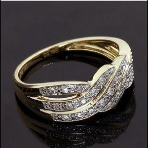 Jewelry - Ladies diamond ring NWOT.