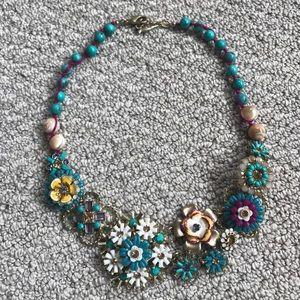 chloe & isabel floral necklace