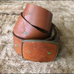 Urban Outfitters Accessories - Vintage tooled leather belt