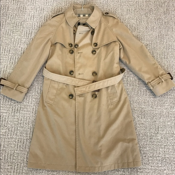 89a47f88fcd3 Burberry Other - BURBERRY Girls Beige Trench Coat
