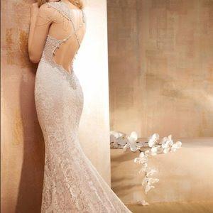 Alvina Valenta Dresses & Skirts - NWT Alvina Valenta 9511 Gown Bridal 6 Reg 2/4