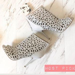 Zigi Soho Shoes - NWT || Zigi Soho Drift High Heel, Silver