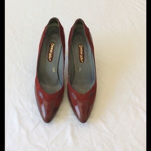 Andrew Geller Shoes - Beautiful Vintage Burgundy Shoes - 7 1/2 M