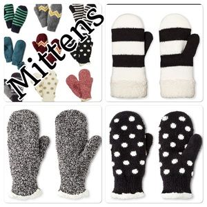 NWT Isotoner knit mittens