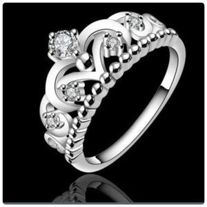 Jewelry - New fashion Silver Crown Crystal Ring