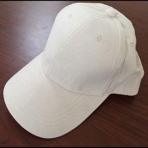 Accessories - • suede beige cap •