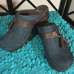 Dansko Shoes - Dansko Shandi Clogs Navy with Brown Tassle NWOT