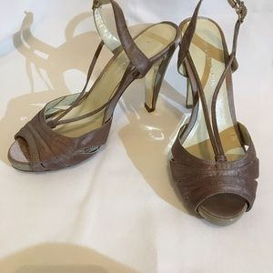 BCBGMAXAZRIA Lucy Peep toe Sandals sz 5 1/2.