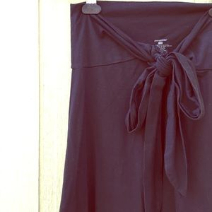 Patagonia Dresses & Skirts - Patagonia Black Flowy Stretch Midi Skirt