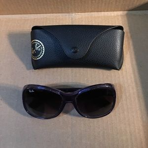•Authentic •Ray Ban Sunglasses and Case