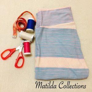 LulaRoe Pastel Horizontal Stripes OS leggings