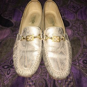 📍Escada Loafers