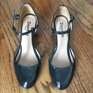 Repetto Shoes - Repetto double-t strap patent leather heels (38.5)