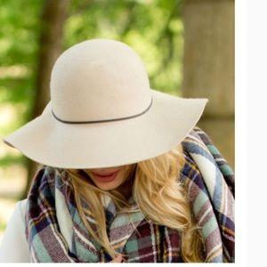Accessories - Wool Floppy Hat - Natural