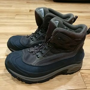 Columbia Other - Columbia men's boots Omni tech size 10.5 200 grams