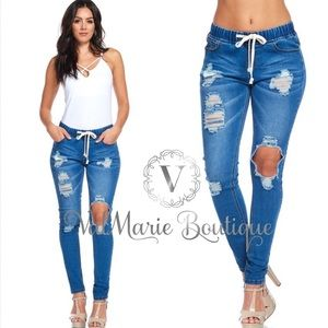 ‼️2 LEFT! Med Wash Low Rise Destroyed Denim