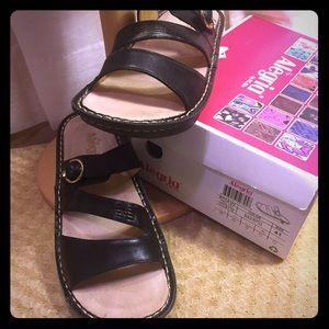 Alegria Shoes - Alegria Colette Black Reptile size 11 worn once