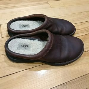 Shoes - Womens Ugg slip on shoes size 9