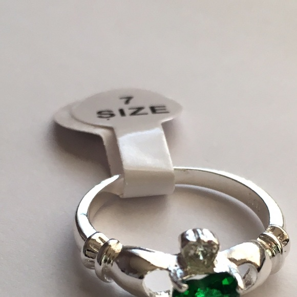 Ring Love Heart Crown Green Stone
