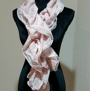 2 Chic Accessories - Floral scarf