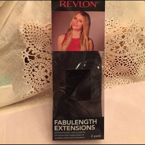 Revlon Accessories - Revlon Hair Extensions 2/pack