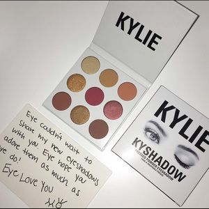 Other - Kylie Jenner burgundy pallet never used