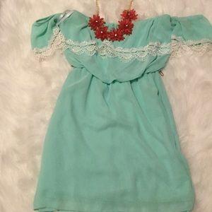 Dresses & Skirts - Mint green boutique dress